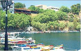Agios Nicolaos: By the Voulismeni lake